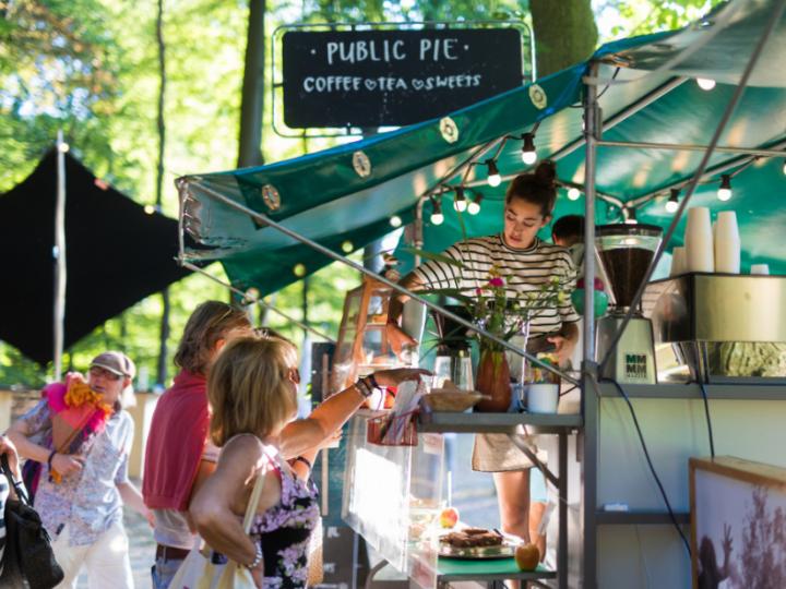 Koffie op festivals: waar jij deze zomer specialty coffee scoort