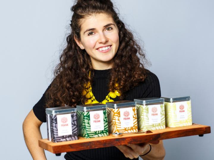 """FRANK about tea: """"thee voor de nieuwsgierige wereldburger"""""""