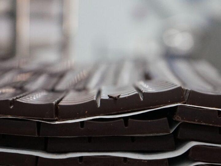 Zelf bean-to-bar chocolade maken in 8 stappen!