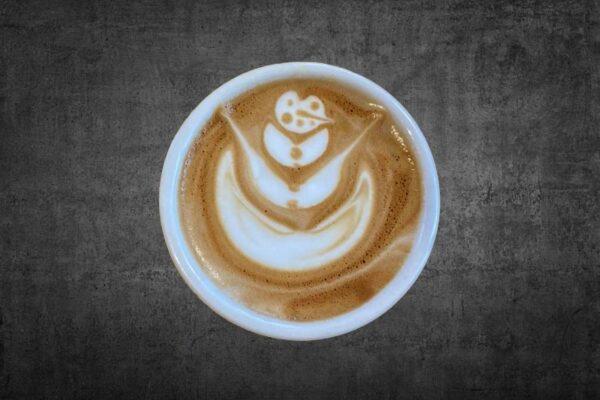 #hoedan schenk een sneeuwpop latte art